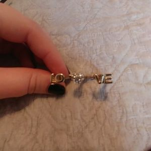 Multifinger LOVE ring